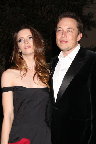 photo - Tesla CEO Elon Musk and Talulah Riley