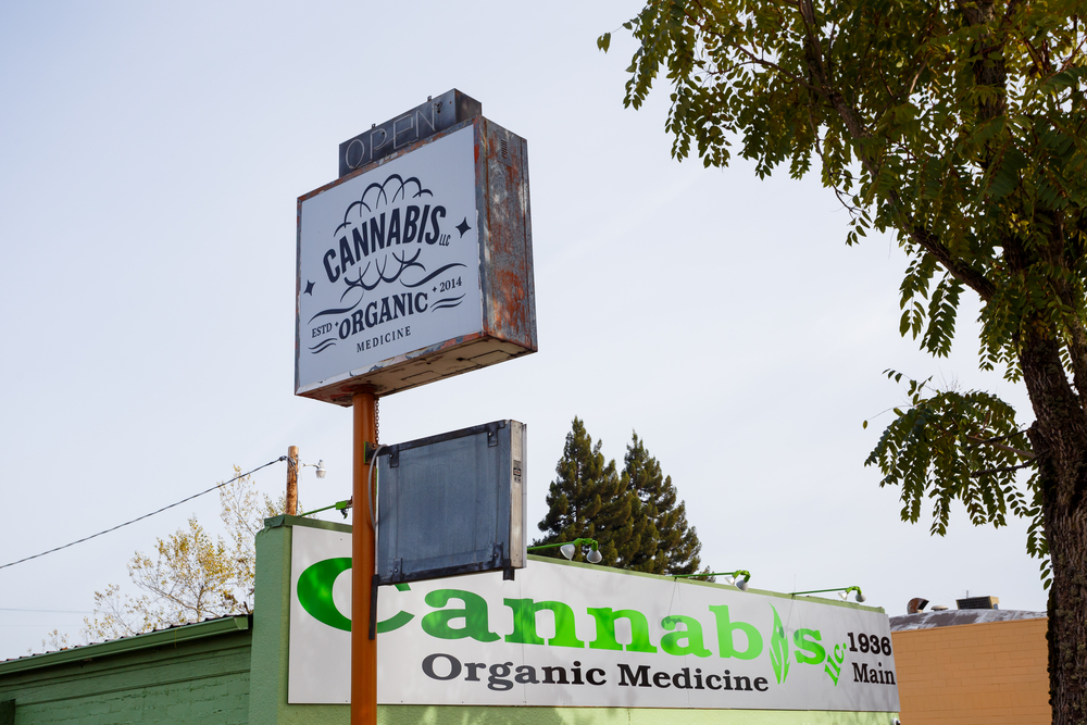 photo - Oregon weed dispensary
