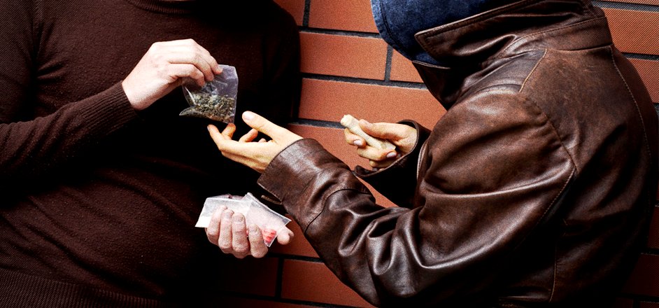 an experienced dealer gives us his best advice on how to buy drugs